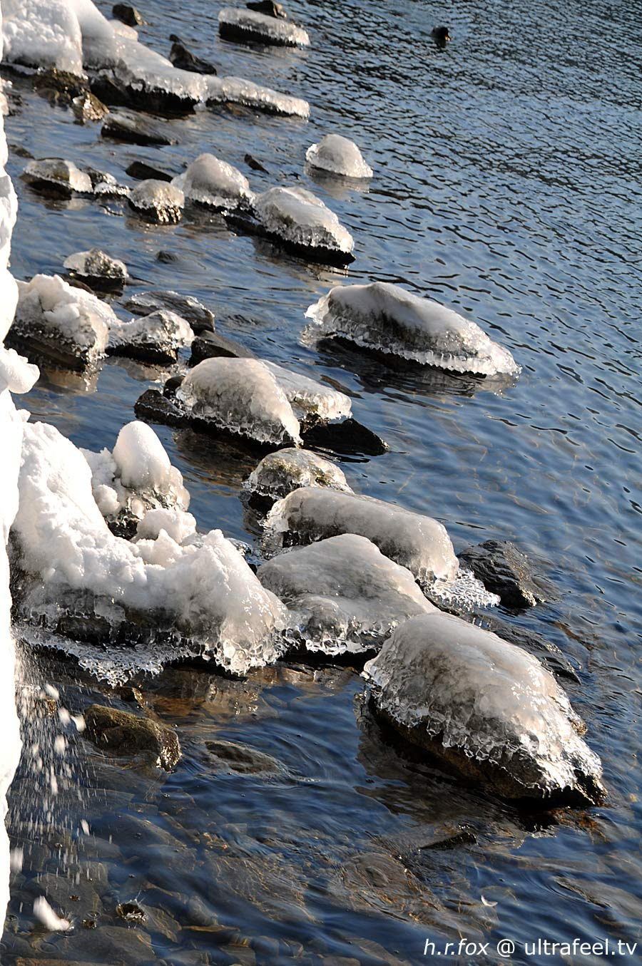 ice-snow-lake-stones-ultrafeel